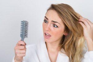 秋は抜け毛の季節!今すぐあなたのヘアサイクルの確認をして見て下さい!